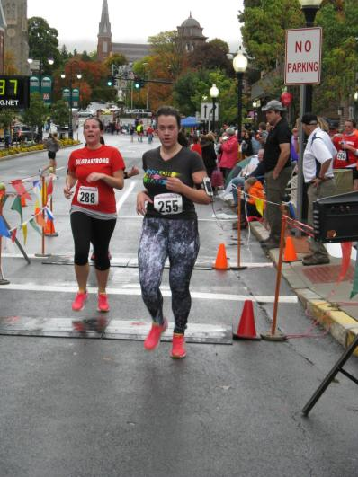 Me, or Robot Me, finishing the Fall Foliage 5K while wearing my 1980s running leggings..