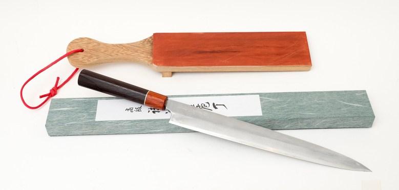 Yanagiba ou hocho, couteau traditionnel japonais