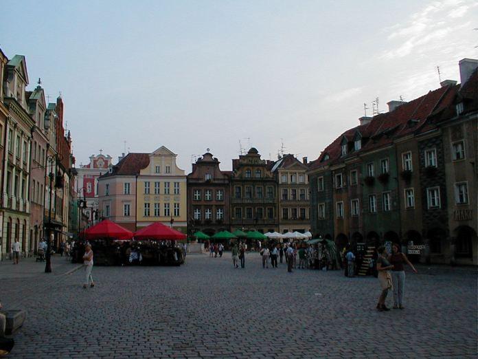 Auf dem grossen Altmarkt im Zentrum