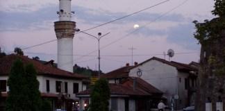 Novi Pazar: Die kleine Moschee gegenüber der Festung