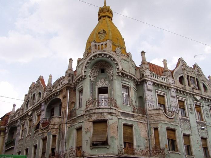 Famose aber restaurierungsbedürftige Bauten an der Str. Republicii