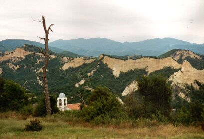 Melnik-Pyramiden und Roshenski-Kloster