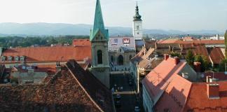 Die Hl. Marko-Kirche mit dem charakteristischen Dach
