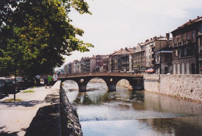 Latinski-Brücke im Zentrum