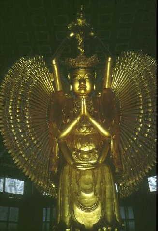 Kaifeng: Im Tempel