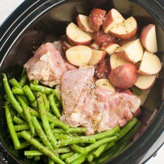 Slow Cooker Seasoned Chicken, Green Beans and Potatoes