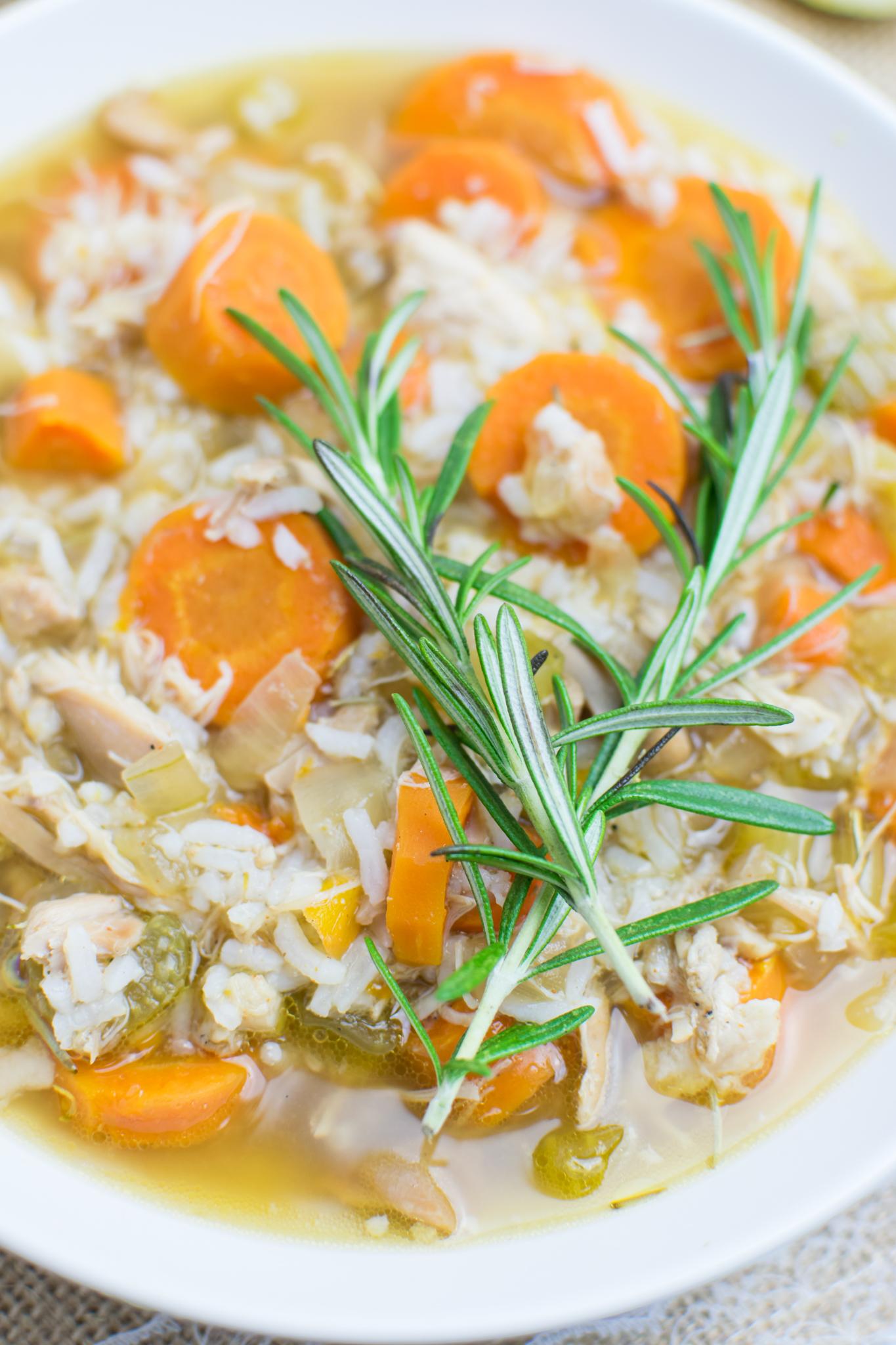 slow-cooker-lemon-rosemary-chicken-soup (8)