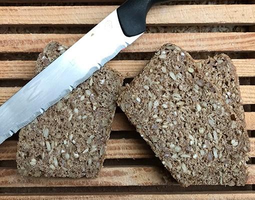 Ymerdrys: Deens volkoren rogge-zuurdesembrood