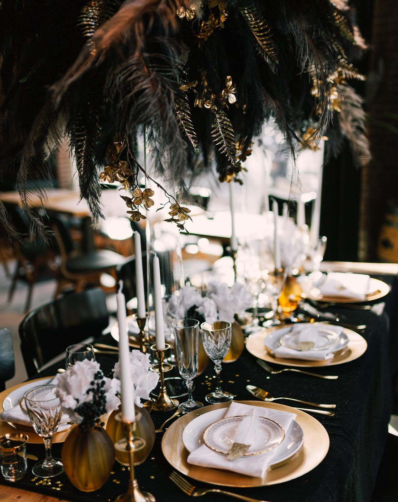Great Gatsby tablestyling gold Pinterest