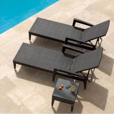 Bain de soleil en rsine trsse et chaise longue de jardin en rsine trsse