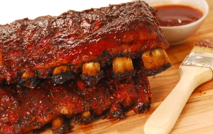 cleaning - How to eat barbecue ribs without getting