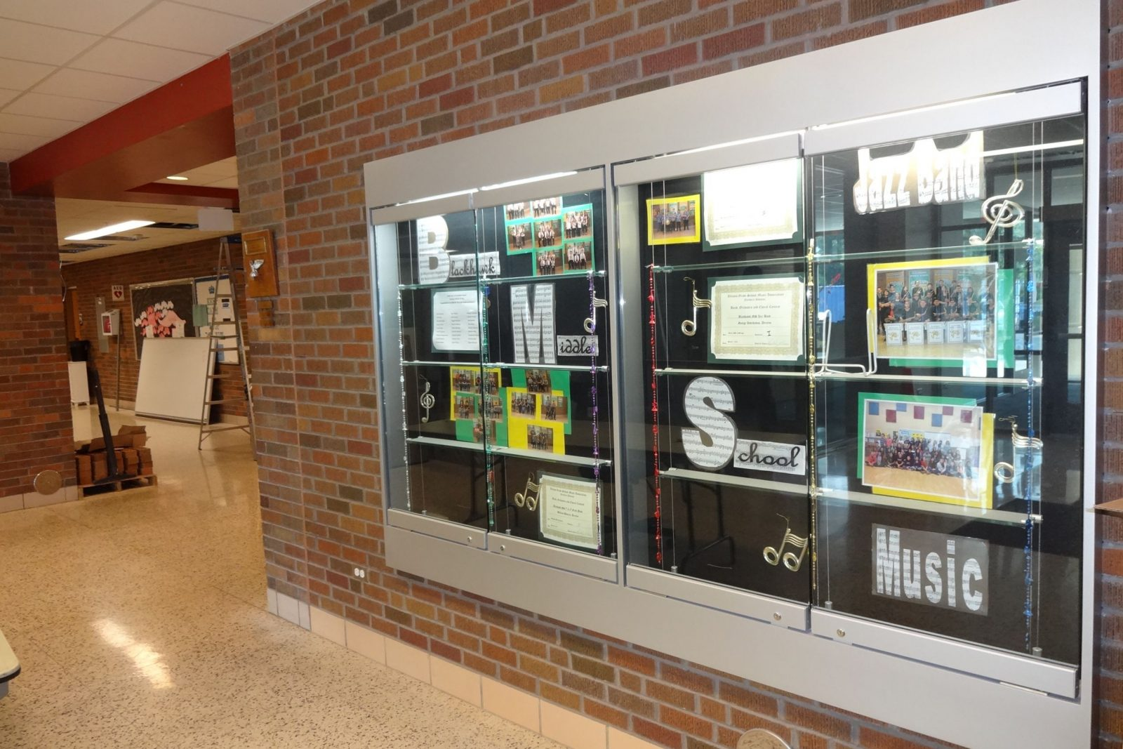 School Display Cases The Tablet Amp Ticket Co