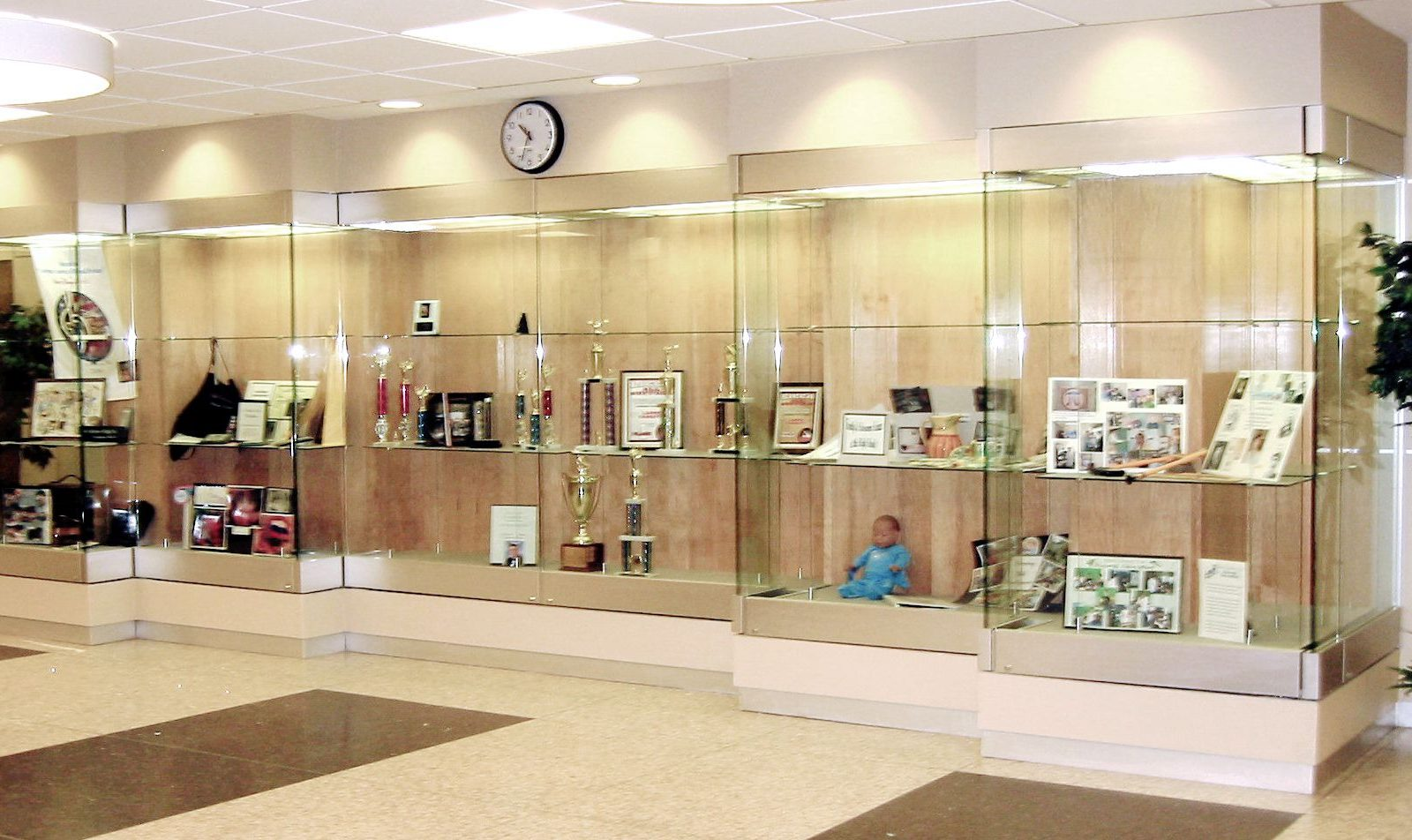 Custom display cases the tablet ticket co for Design a case