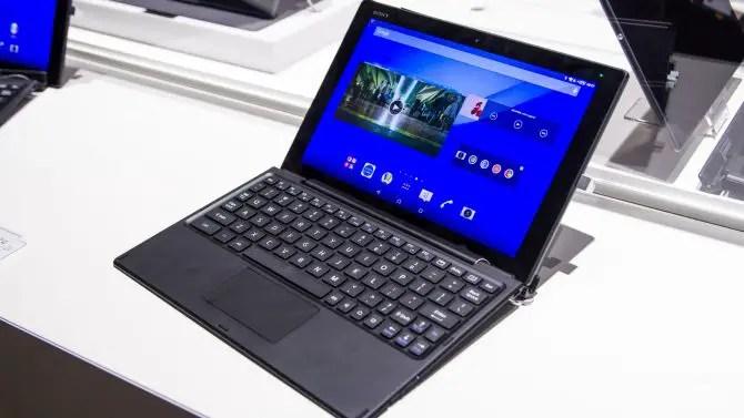 Sony Xperia Z4 Tablet mit Tastatur Dock