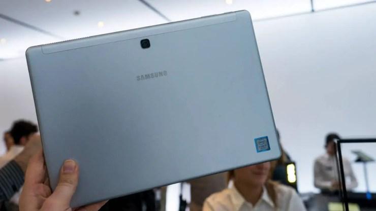 Samsung Galaxy Book 12 Rückseite