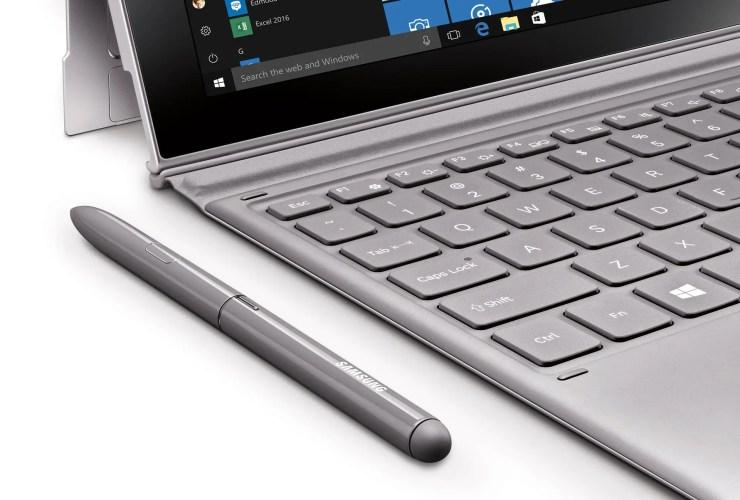 Samsung Galaxy Book 2 mit Tastatur und Stift