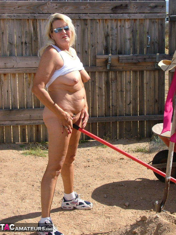 Granmaw Is Naked In The Yard