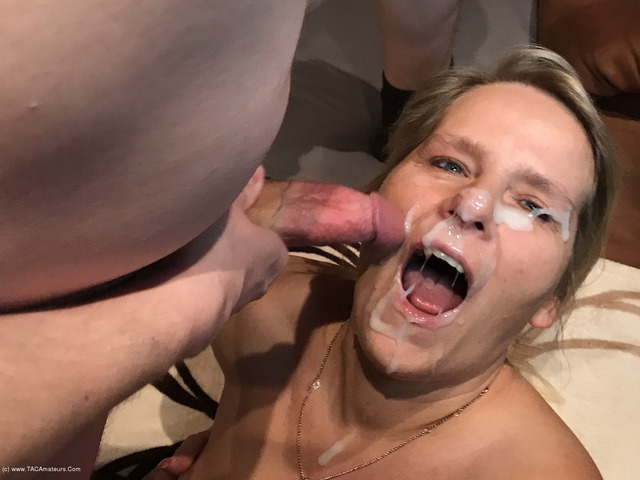 SweetSusi - Sperm Explosion On The Face