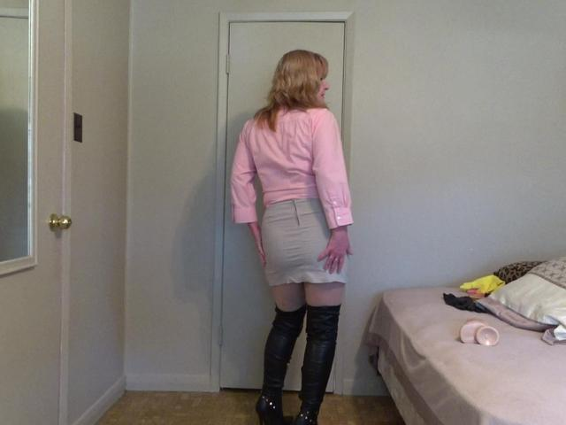 CougarBabeJolee - Boots Domination