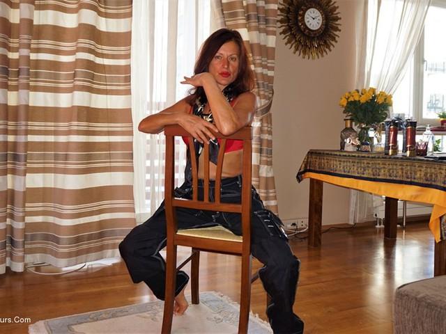 DianaAnanta - Sexy Worker Pt1
