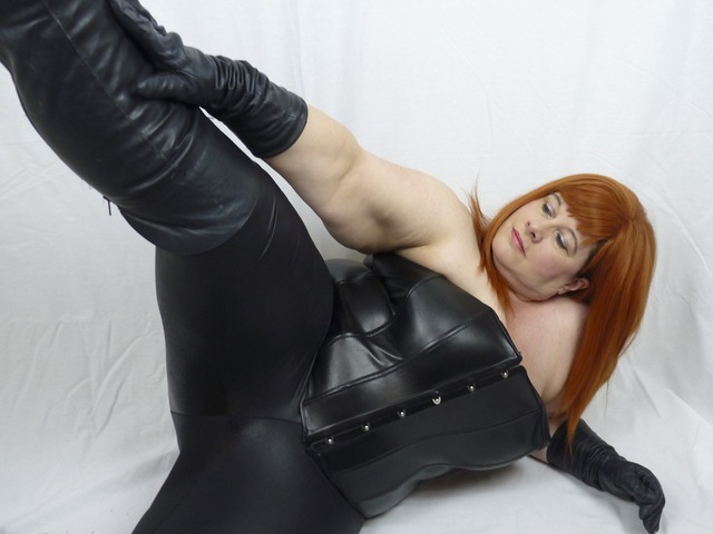 MrsLeather - My Leather Pants Come Off