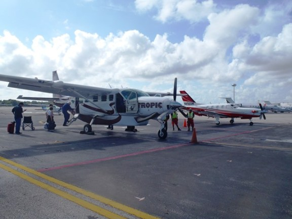 tropic air flight from cancun mexico to belize