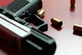Roban 11 armas en residencia de San Germán