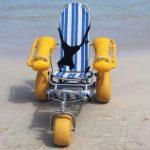 Sillas anfibias en Playa Flamenco para personas con discapacidad