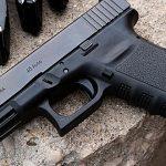 Agreden en el rostro a fémina guardia de seguridad para robarle arma en Río Grande