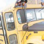 Una guagua escolar cae por un barranco en Barranquitas