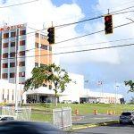 Tras la inacción del DTOP: Municipio arregla semáforos en las principales vías estatales