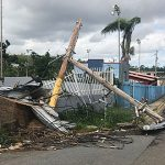 Urgen recogido de postes caídos y escombros peligrosos en el este de la Isla