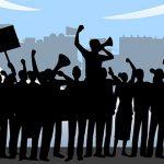 Maestros protestan por cierre de escuelas en Humacao