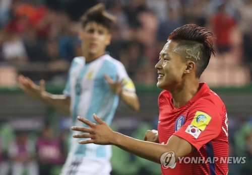 Korea dispatches Argentina 2:1 in U20 World Cup / Barca Boys lead Taeguk Warriors to Round of 16