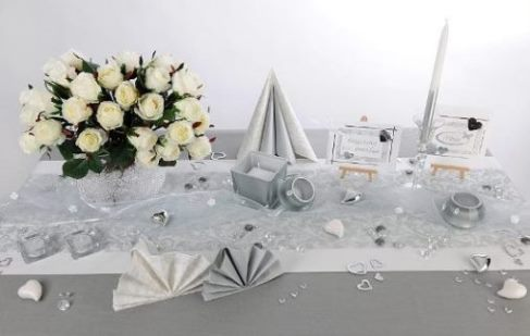 Hochzeit Tischdeko in Silber  stimmungsvoll zur Winterszeit  Tafeldeko
