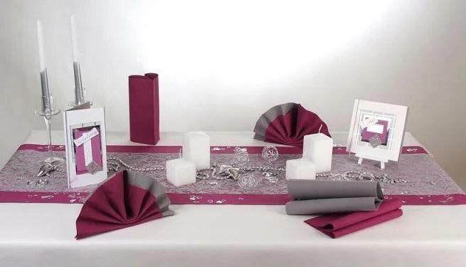 Wunderschne auberginefarbene Tischdeko zur Silbernen