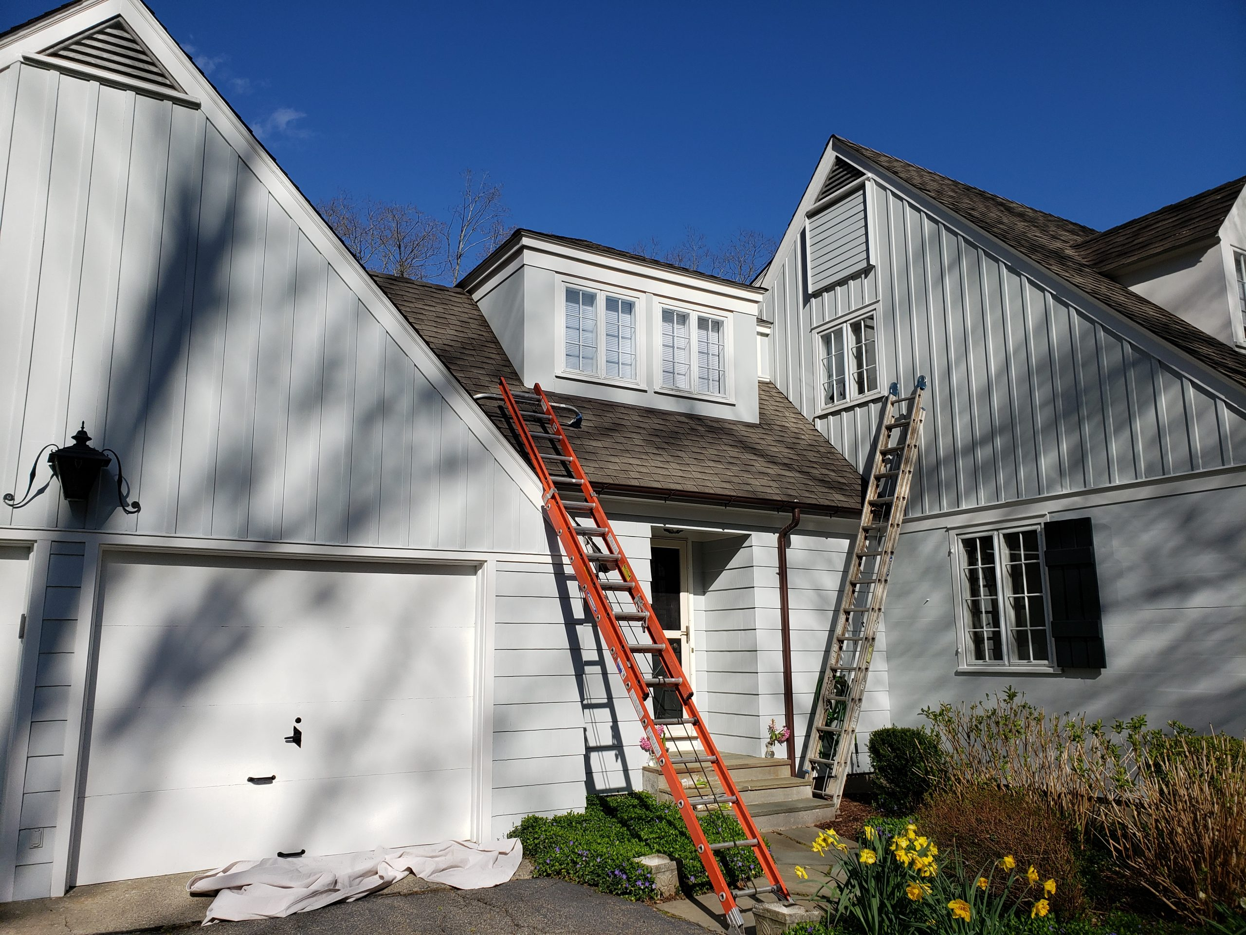 Roof low pressure washing in Easton Connecticut