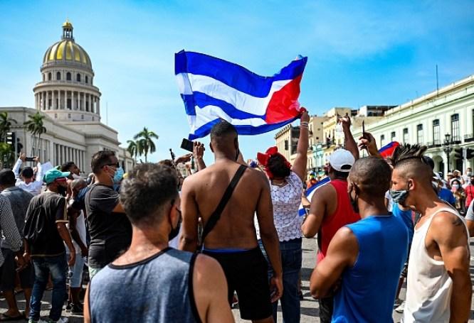 Cuba, proteste contro il governo per la prima volta in 27 anni - Tag43