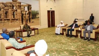 Photo of السودان.. اتفاق على تشكيل مجلس مشترك مدني وعسكري