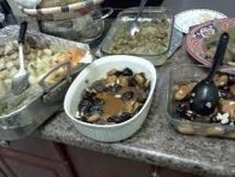Des centaines d'Algériens mangent en public en plein ramadan, une première