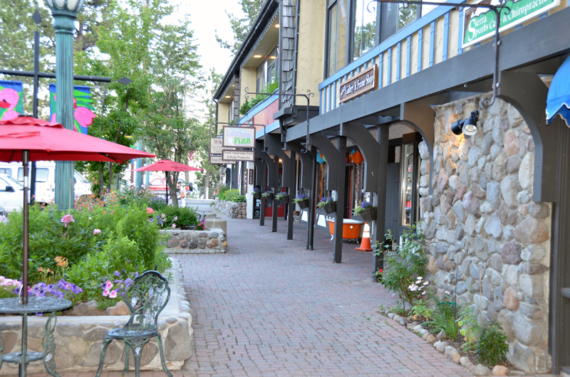 Cobblestone Center  Lake Tahoe Guide