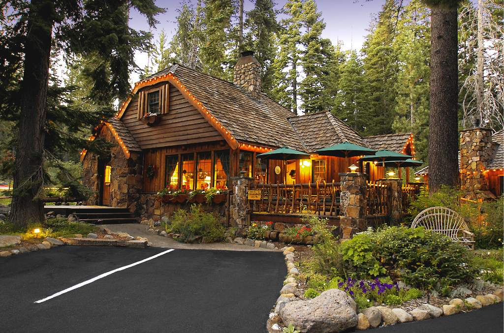 THE COTTAGE INN Lake Tahoes Premiere Bed  Breakfast