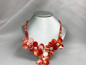 Red Rondelle Bead Spiny Oyster Necklace With Floral Pendants