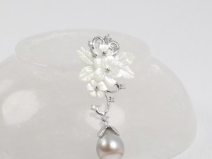 Tahitian Pearl Sterling Silver Pendant With White MOP Flowers