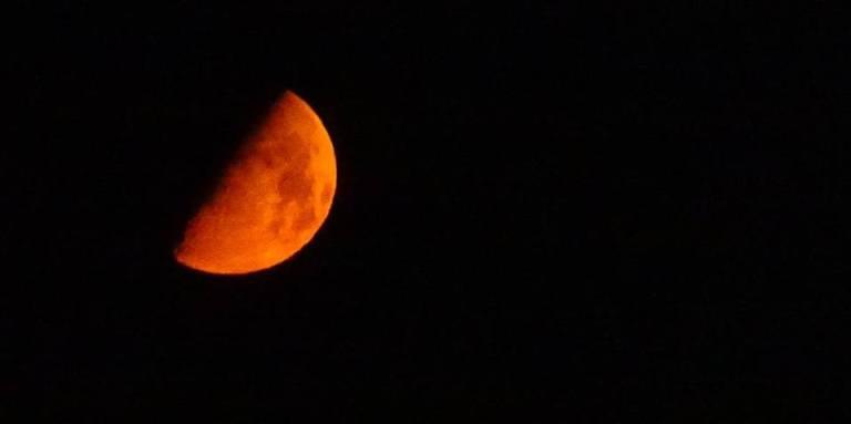księżyc pełnia wielki księżyc luna krwisty krwawy księżyc