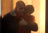 Bruce Willis fights to save his family in 'Hostage'