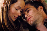 Chris Pine and Olivia Wilde in 'People Like Us'
