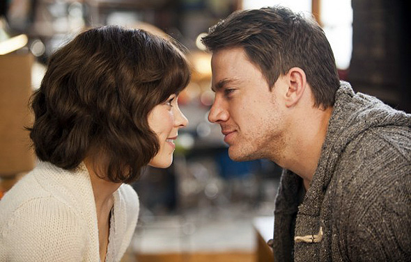 Rachel McAdams and Channing Tatum in 'The Vow'