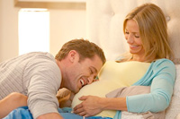 Matthew Morrison and Cameron Diaz co-star in 'What to Expect When You're Expecting'