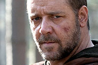 Russell Crowe may be stepping into Marlon Brando's shoes as Superman's dad in 'Man of Steel'